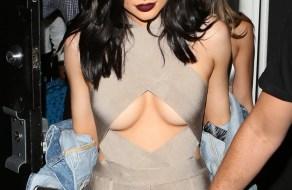 fotos Kylie Jenner muestra sus tetas gigantes