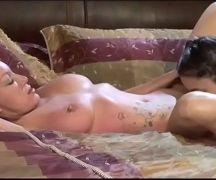Vizinhas gostosas fodendo acabaram parando no xvideos em um belo porno