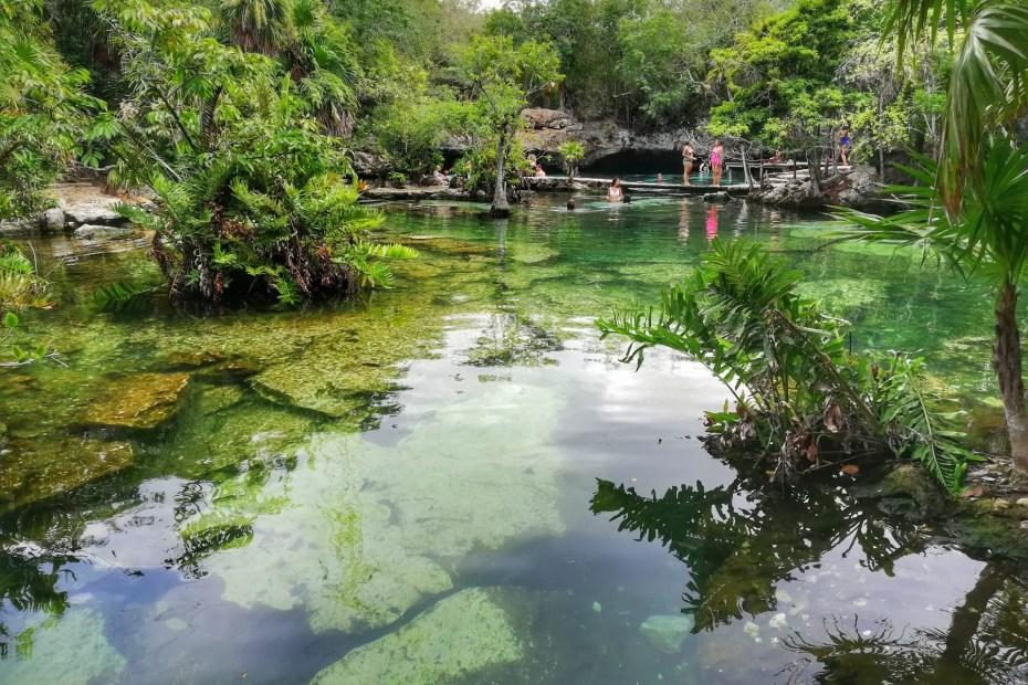 Cenote Azul.