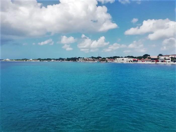 Paisajes del ferry hacia Cozumel.
