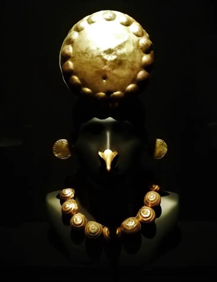 Pieza Museo Larco metales cobre