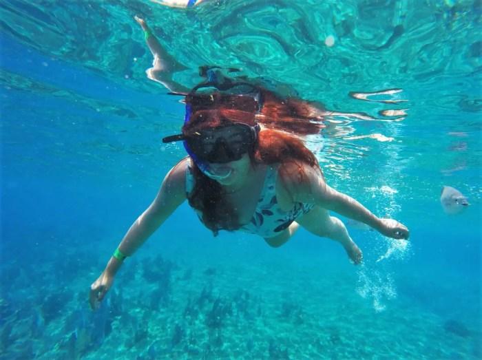 Consejos para viajar a la Riviera Maya barato: lleva tu equipo de snorkel.