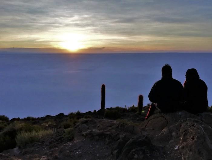 Amanecer en el Salar de Uyuni.