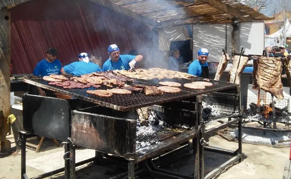 Asado típico uruguayo.