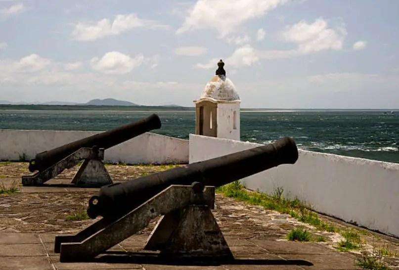 Fortaleza en Ilha do Mel, Brasil.