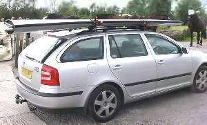 Porta-Bote auf fast jedes Autodach.