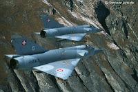 Histoire de pilote: sortir les aérofreins à Mach 2. Chiche ?
