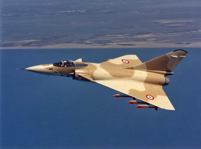 Contemporain du Mirage 2000, le Mirage 4000 est un programme resté sans suite, malgré des performances extraordinaires pour l'époque. Un Rafale XL permettrait de retrouver toutes les promesses de ce chasseur lourd dans un avion beaucoup plus compact. Source Dassault Aviation