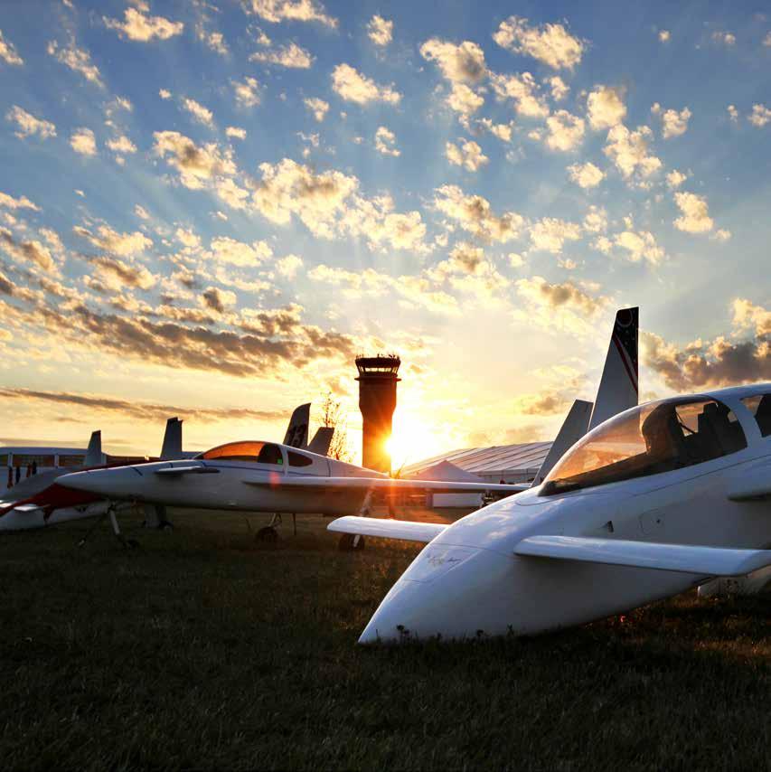 Avions de voltige, ultralégers, Oshkosh regorge de machines exotiques