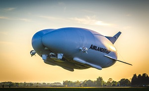 Airlander 10 en vol le 10 mai 2017, Crédit : Asan Tu