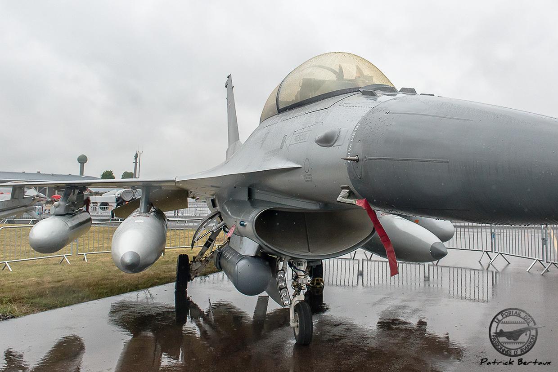 Lockheed Martin équipé de la nacelle SNIPER