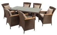 ratanový nábytek
