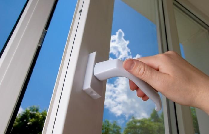 Co ovlivňuje cenu plastových oken?
