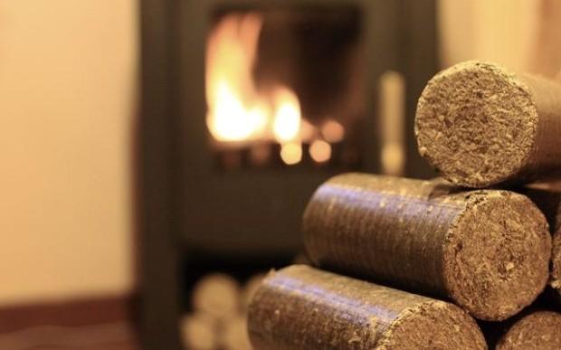 Začněte vytápět dřevěnými briketami