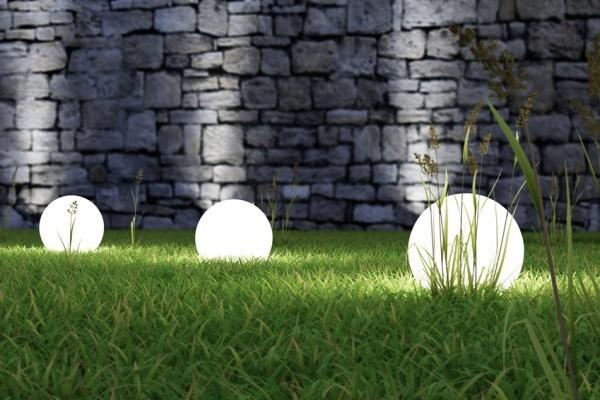 Vybíráme venkovní osvětlení na zahradu, terasu.