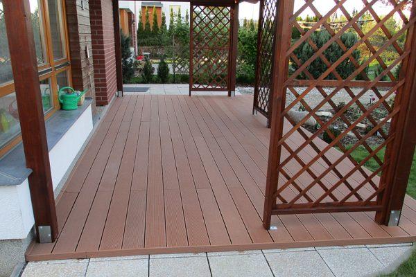 Co musíte vědět o dřevoplastových terasách