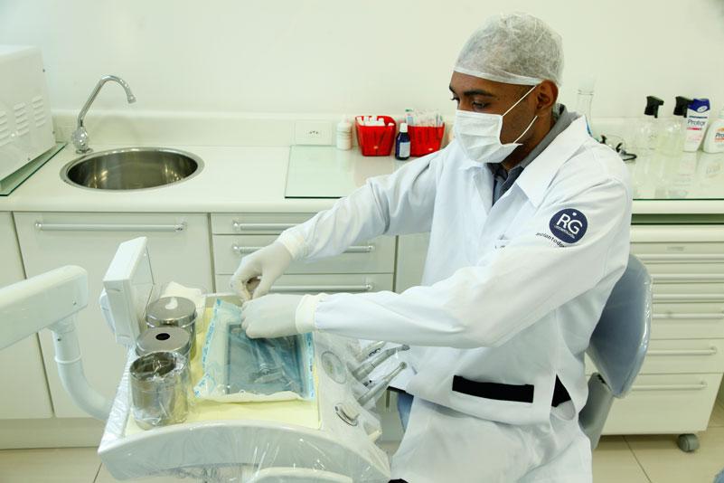 Dr. Otávio Ribeiro Cirurgião Dentista