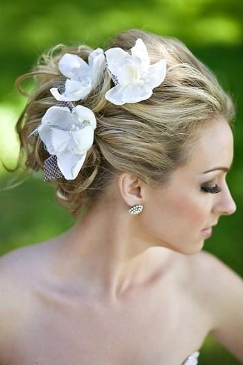 penteados de casamento com flores 14