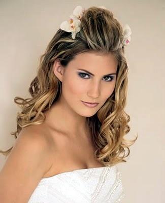 penteados de casamento com flores 19