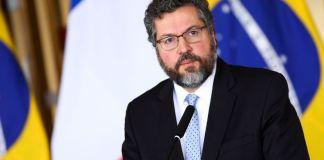 O governo brasileiro já repatriou 11,7 mil brasileiros que procuraram as embaixadas do Brasil em vários países para retornar ao país.