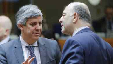 """Photo of Portugal """"devia estar orgulhoso"""" de ter Centeno no Eurogrupo, diz Moscovici. """"Ronaldo das Finanças"""" já marcou """"alguns golos"""""""