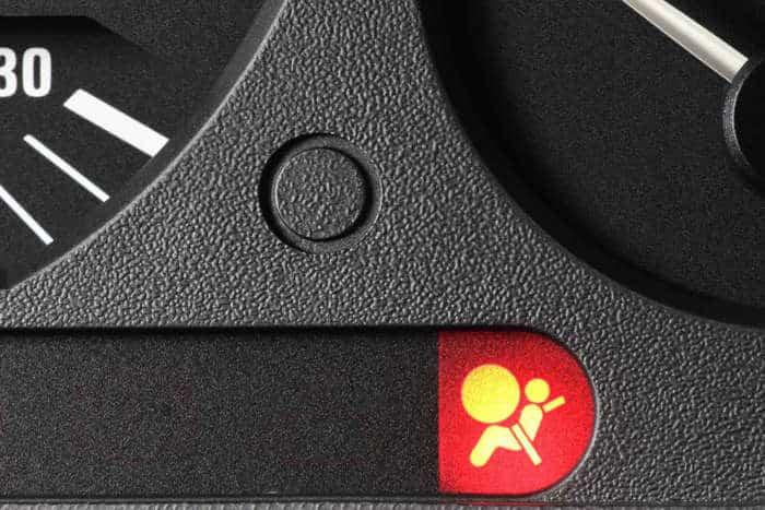 12-29 O que significam as luzes de aviso no painel do carro?
