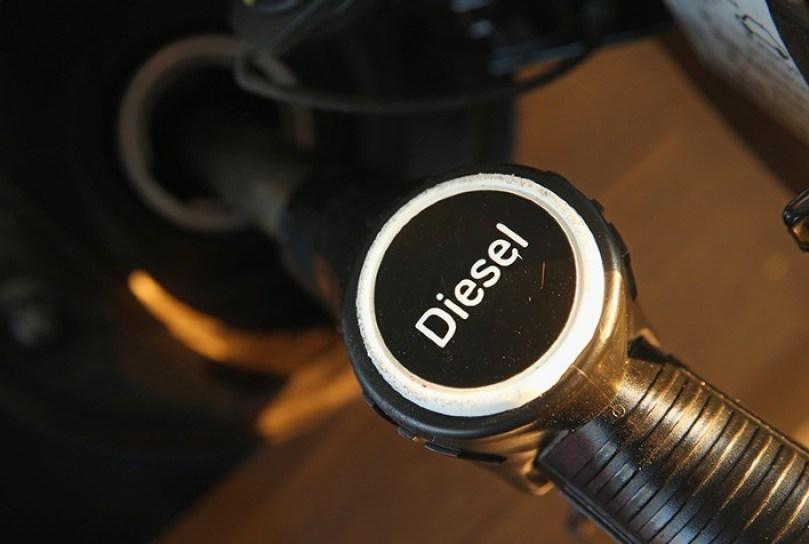 Preço do diesel nos postos recua na semana, mas gasolina e etanol voltam a subir