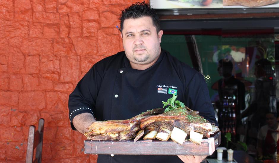 Francisco de Assis, proprietário do Restaurante Opala | Comer no Bixiga