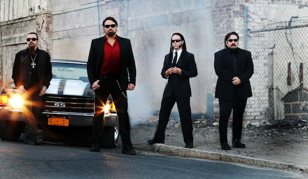 "Adrenaline Mob: disponível lyric video da música ""Feel the Adrenaline"""