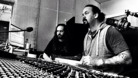 O baixista Johan Niemann e o vocalista/guitarrista Tom S. Englund  em estúdio