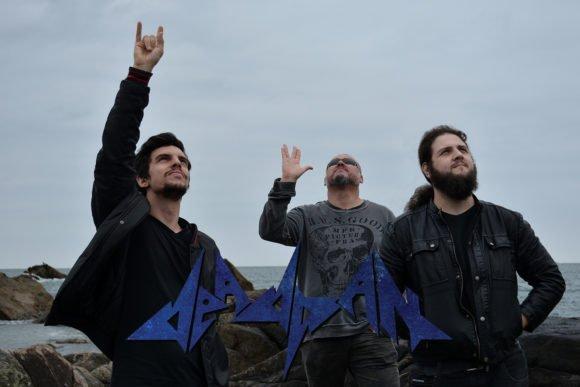 """Deadpan: banda disponibiliza """"In Aliens We Trust"""" para download"""