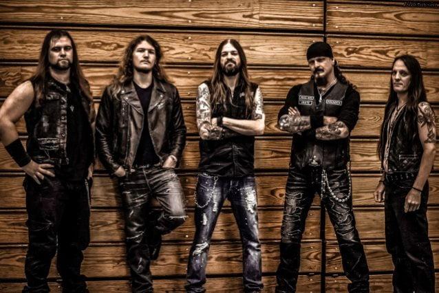 "Iced Earth: banda divulga lyric video para a nova música ""Raven Wing"""