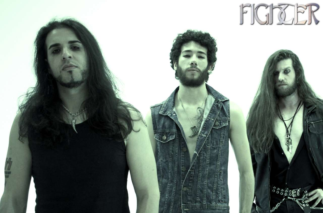 """Fighter: Sexta faixa do álbum ao vivo """"VII (Live Session)"""" é lançada no Youtube"""