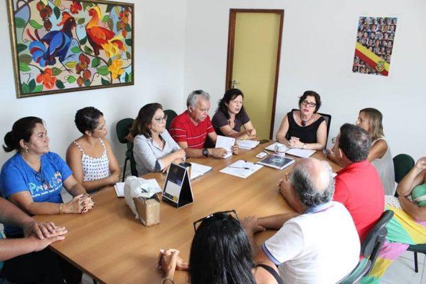 Reunião Rede Hoteleira 3 620x413 - Prefeita Márcia Lucena recebe representantes da rede hoteleira de Conde e fala das ações de combate à Malária na região