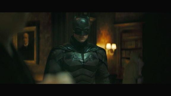 robert pattinson veste o uniforme do homem morcego no primeiro trailer de the batman 1598146508681 v2 1334x750