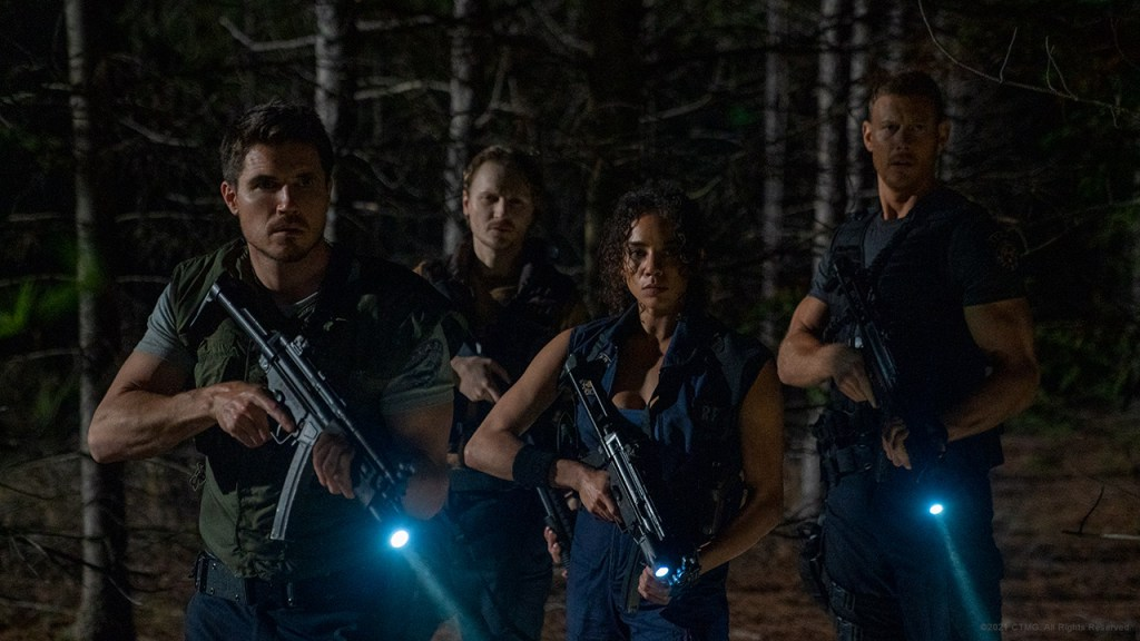The Resident Evil Welcome to Raccoon City cast gets ready for fight