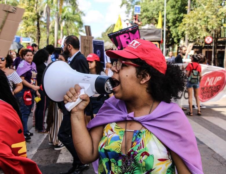Trabalhadores e estudantes acreanos realizam ato histórico contra a reforma da previdência e cortes na Educação