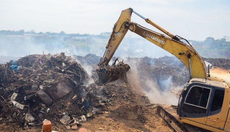 """""""Esse material emite gases que alimentam o fogo"""", destaca Major Falcão sobre incêndio em aterro"""