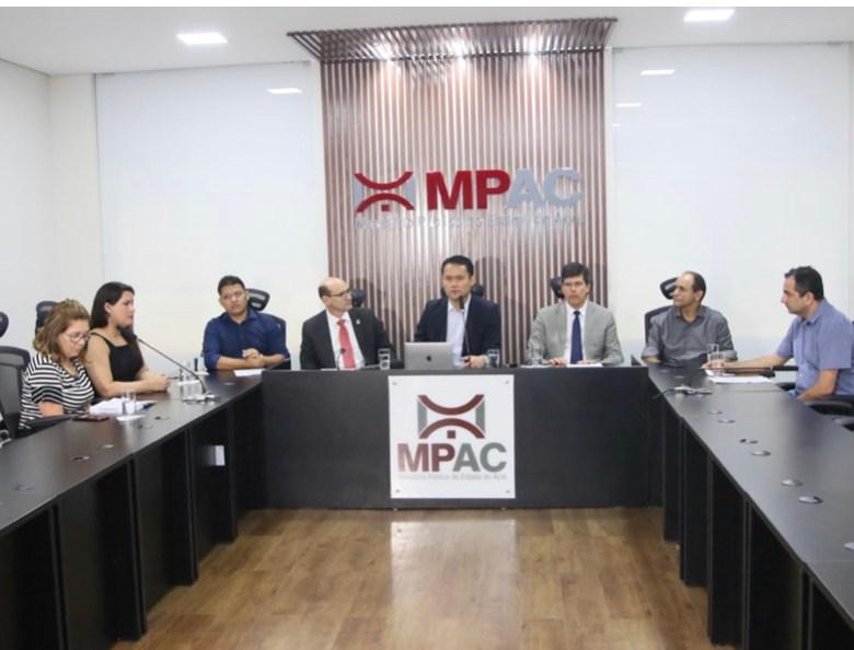 MP une esforços com instituições para aumentar cobertura vacinal no Acre