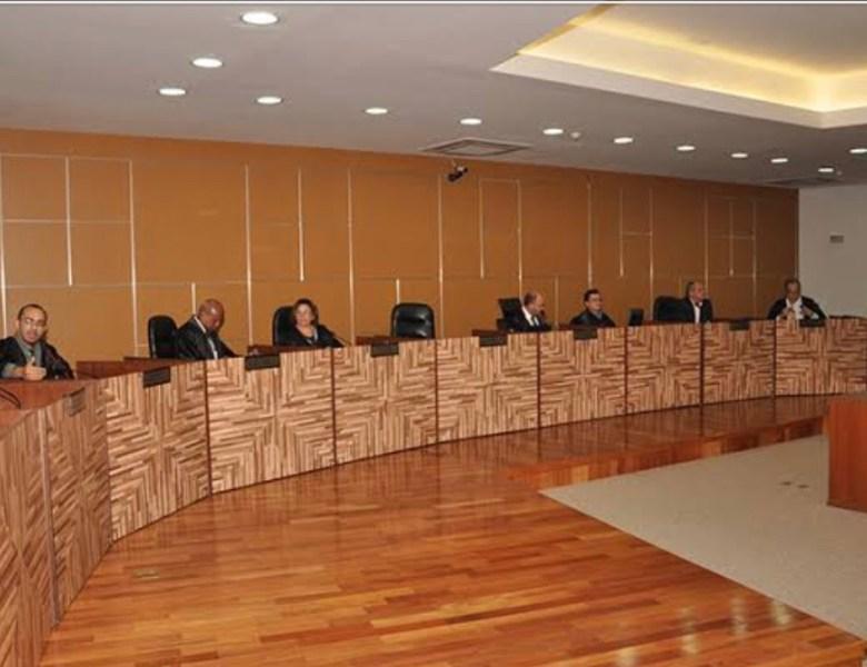 Pleno do TJ julga hoje impasse sobre LDO