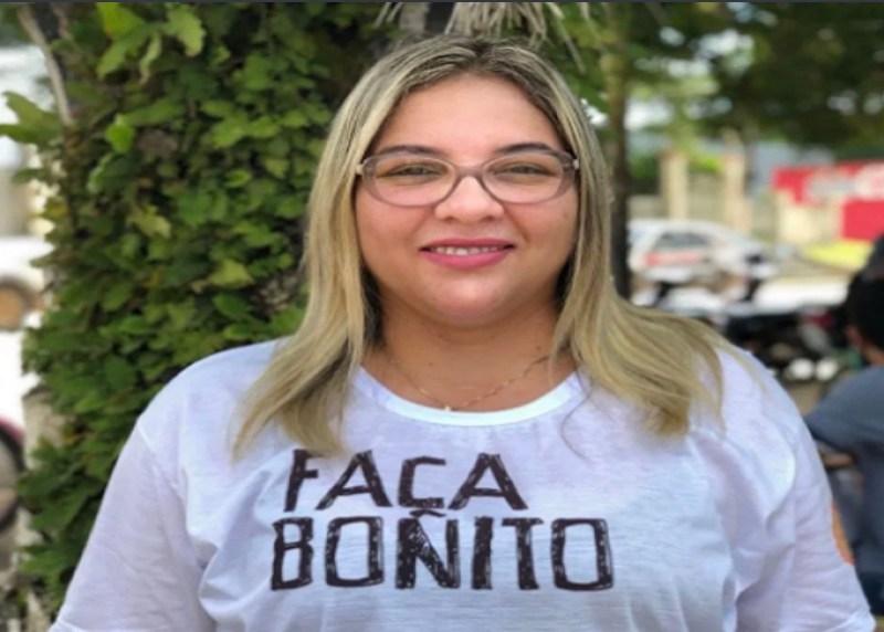 Campeã de votos nas eleições de 2018, deputada Meire Serafim viaja de UTI a São Paulo para tratamento contra a Covid-19