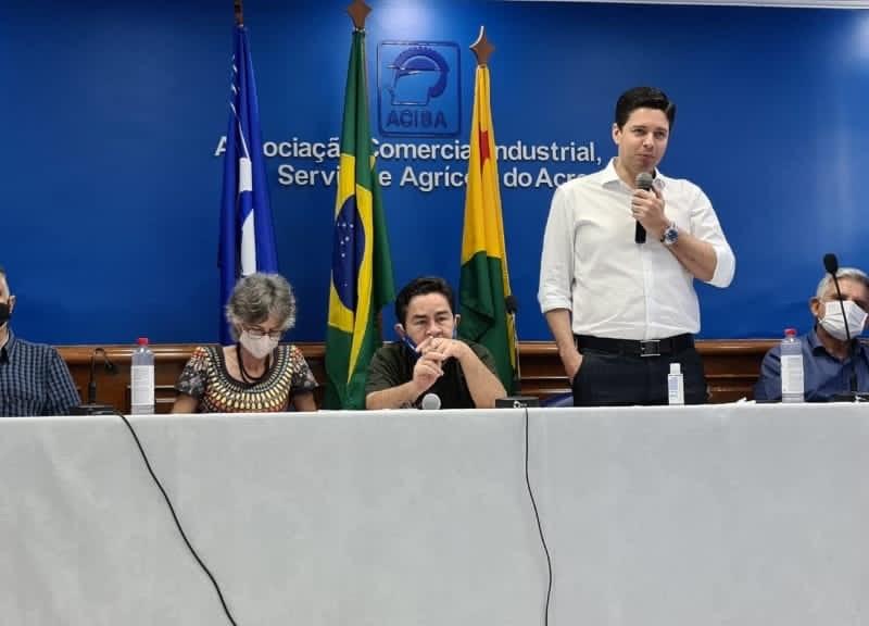 Empresário Marcello Moura é aclamado presidente da Acisa para os próximos dois anos