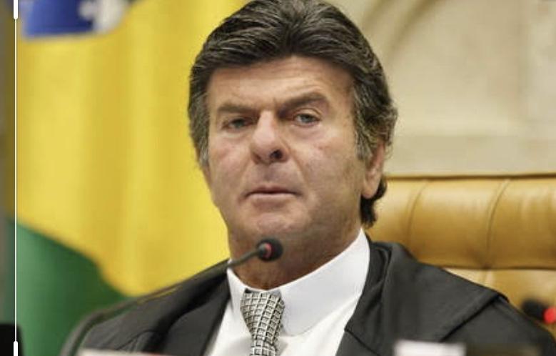 """Ao impedir posse do TCE, Luiz Fux agride à língua portuguesa e escreve """"Desisão"""""""