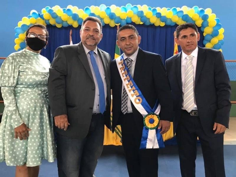 Em seu último ato, ex-prefeito de Porto Walter sobe salário do igual  gestor para R$ 12 mil