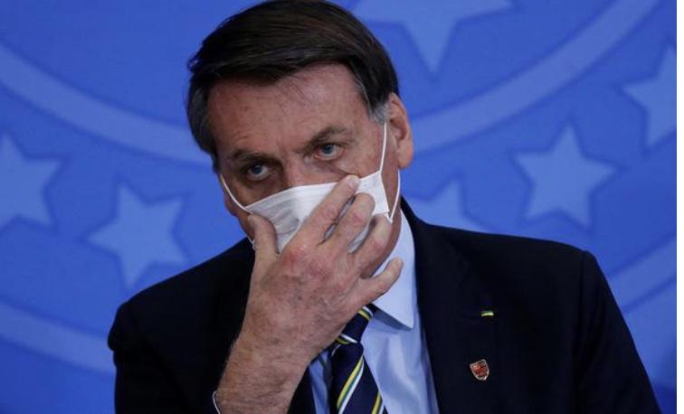 """Depois de nadar: Bolsonaro diz que """"Brasil está quebrado"""" e que não pode """"fazer nada"""""""