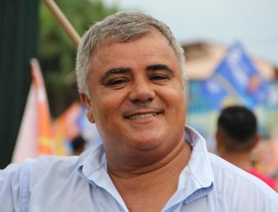 Carlos Alberto, assessor do senador Sérgio Petecão, morre de Covid-19