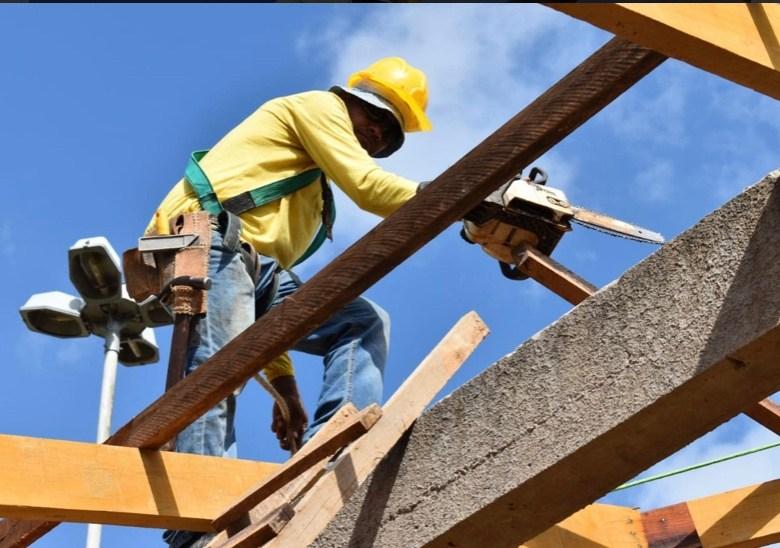 Com a construção civil estagnada, governo Gladson comemora 40 empregos em obra do governo passado