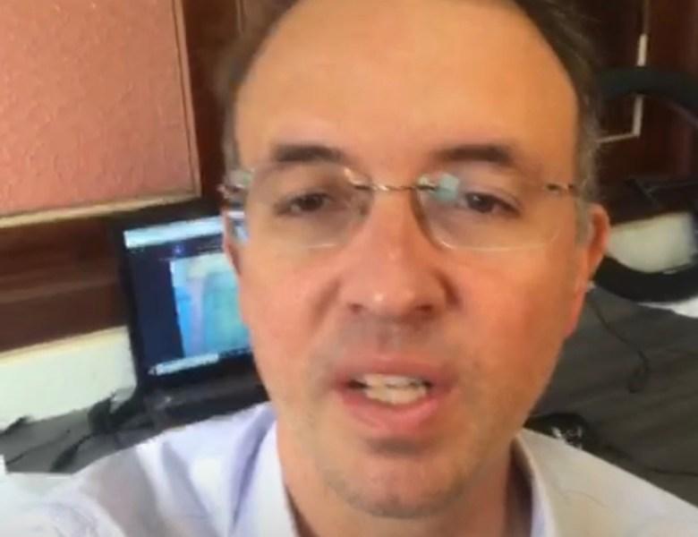 """VÍDEO: """"Conseguimos preservar as promoções e progressões dos servidores públicos"""", festeja Leo de Brito"""