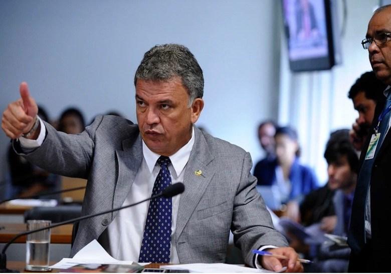 Petecão defende Bocalom colocando Socorro Neri sob suspeição