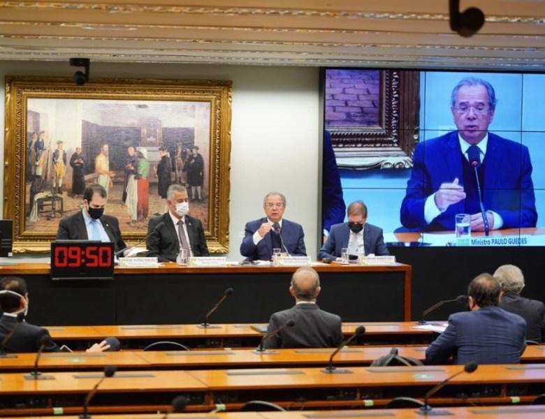 Leo de Brito questiona Paulo Guedes sobre política econômica do governo Bolsonaro
